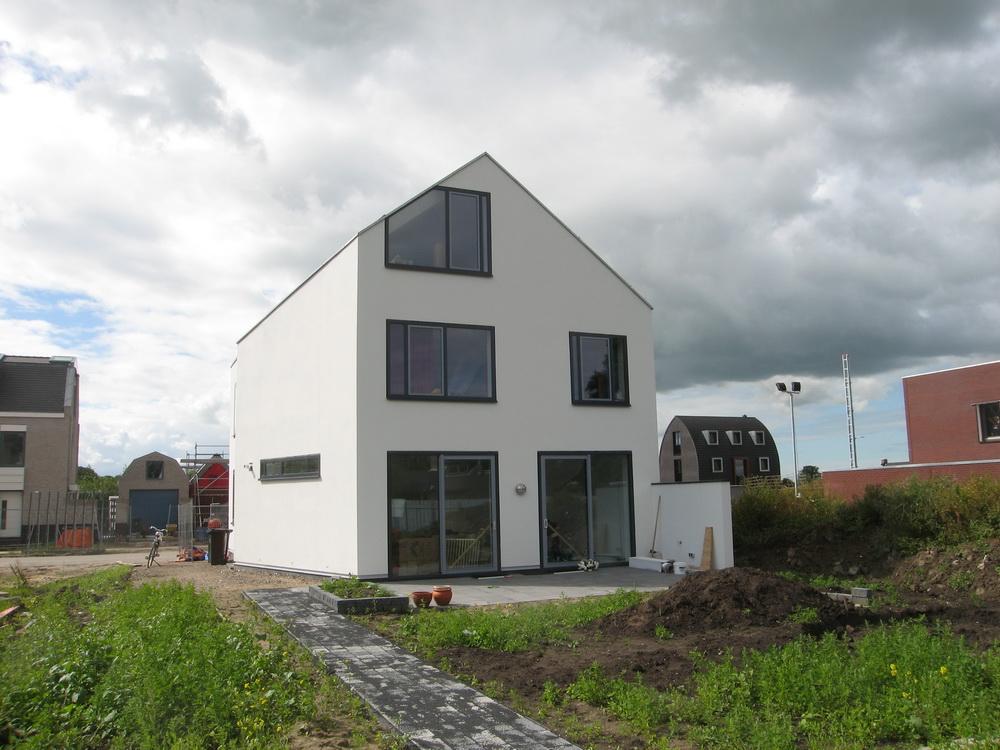 Wit modern huis cronenburgh abjz architectenbureau for Kavel en huis magazine